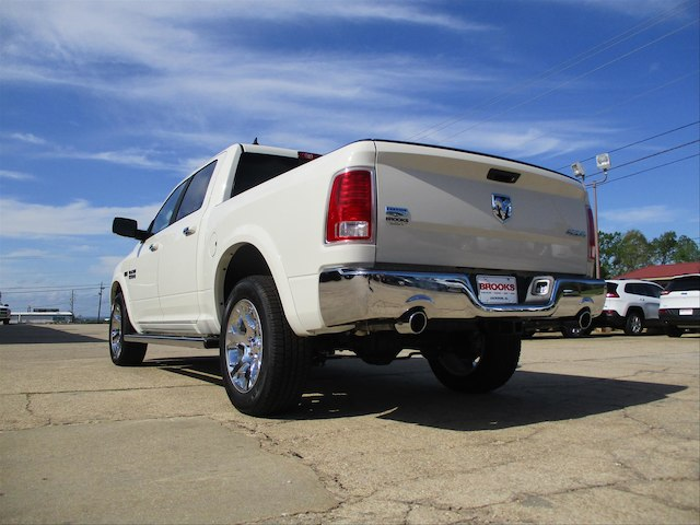 2017 Ram 1500 Crew Cab 4x4, Pickup #688455 - photo 2