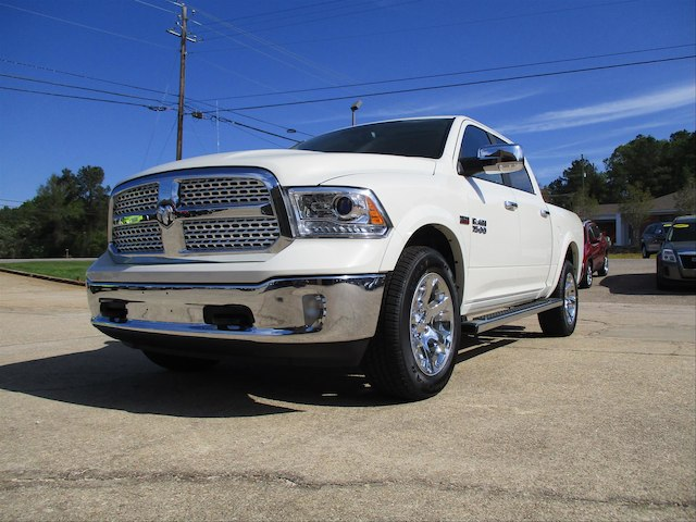 2017 Ram 1500 Crew Cab 4x4, Pickup #688455 - photo 1
