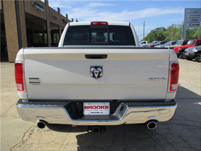 2017 Ram 1500 Crew Cab 4x4, Pickup #688455 - photo 6