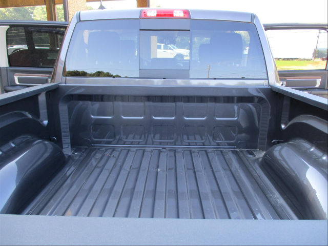 2017 Ram 1500 Crew Cab 4x4 Pickup #780816 - photo 25