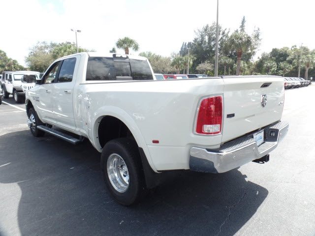 2017 Ram 3500 Crew Cab DRW 4x4 Pickup #HG638233 - photo 2