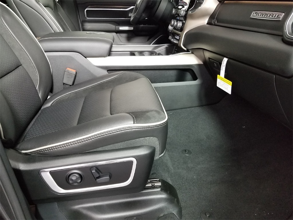2019 Ram 1500 Crew Cab 4x4,  Pickup #KN513788 - photo 26