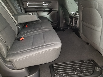 2019 Ram 1500 Crew Cab 4x4,  Pickup #KN550218 - photo 26