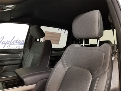 2019 Ram 1500 Crew Cab 4x4,  Pickup #KN550218 - photo 4