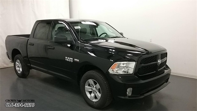 2018 Ram 1500 Crew Cab 4x4,  Pickup #18R116 - photo 3