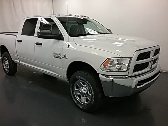 2018 Ram 3500 Crew Cab 4x4,  Pickup #18R152 - photo 3