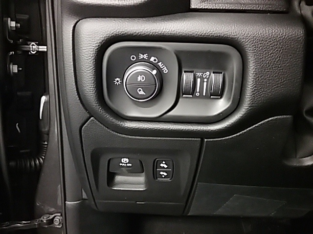 2019 Ram 1500 Crew Cab 4x4,  Pickup #19R101 - photo 15