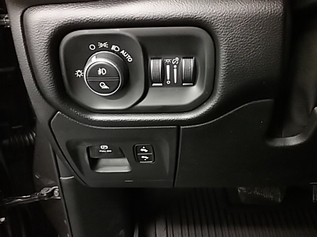 2019 Ram 1500 Crew Cab 4x4,  Pickup #19R105 - photo 13