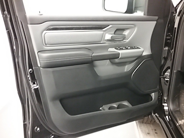 2019 Ram 1500 Crew Cab 4x4,  Pickup #19R109 - photo 5