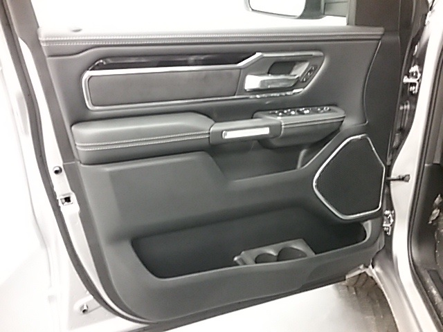 2019 Ram 1500 Crew Cab 4x4,  Pickup #19R113 - photo 5
