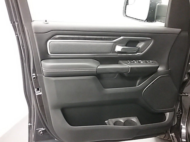 2019 Ram 1500 Crew Cab 4x4,  Pickup #19R115 - photo 5