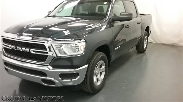 2019 Ram 1500 Crew Cab 4x4,  Pickup #19R22 - photo 3