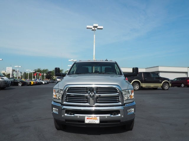 2017 Ram 3500 Crew Cab DRW 4x4 Pickup #RT17132 - photo 4