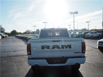 2018 Ram 1500 Crew Cab 4x4, Pickup #RT18039 - photo 10