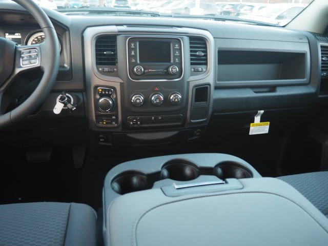 2018 Ram 1500 Crew Cab 4x4, Pickup #RT18064 - photo 14