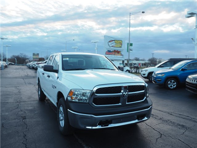 2018 Ram 1500 Crew Cab 4x4, Pickup #RT18064 - photo 3