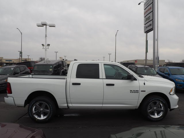 2018 Ram 1500 Crew Cab 4x4, Pickup #RT18071 - photo 12