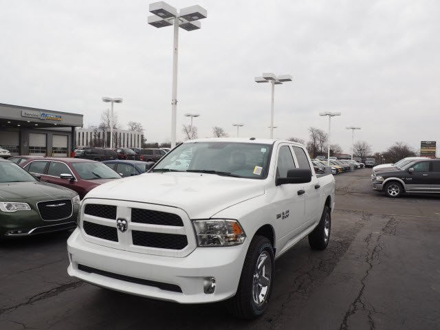 2018 Ram 1500 Crew Cab 4x4, Pickup #RT18071 - photo 5