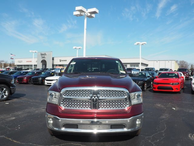 2018 Ram 1500 Crew Cab 4x4, Pickup #RT18087 - photo 4