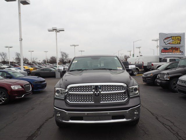 2018 Ram 1500 Crew Cab 4x4, Pickup #RT18088 - photo 4