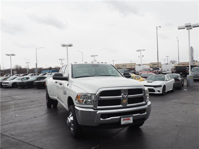 2018 Ram 3500 Crew Cab DRW 4x4, Pickup #RT18095 - photo 3
