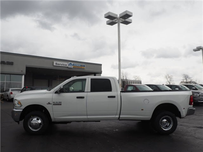 2018 Ram 3500 Crew Cab DRW 4x4, Pickup #RT18095 - photo 7