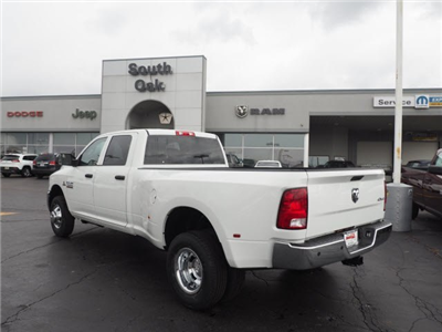 2018 Ram 3500 Crew Cab DRW 4x4, Pickup #RT18095 - photo 8