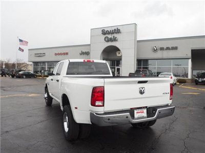 2018 Ram 3500 Crew Cab DRW 4x4, Pickup #RT18095 - photo 9