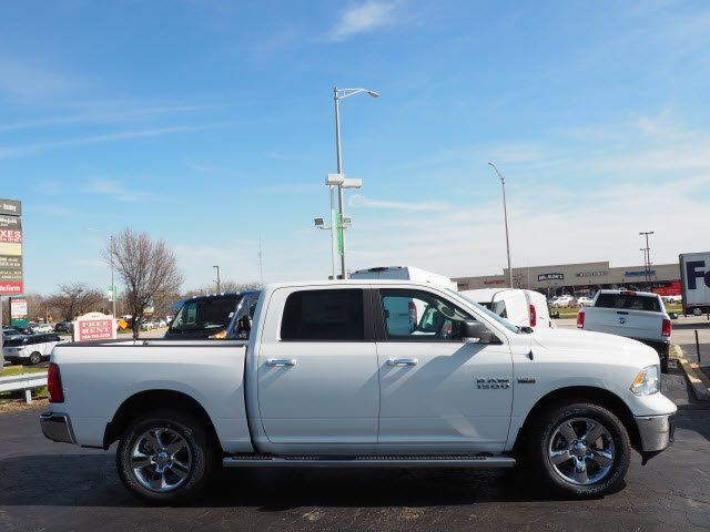 2018 Ram 1500 Crew Cab 4x4,  Pickup #RT18109 - photo 3