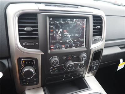 2018 Ram 1500 Crew Cab 4x4, Pickup #RT18119 - photo 15