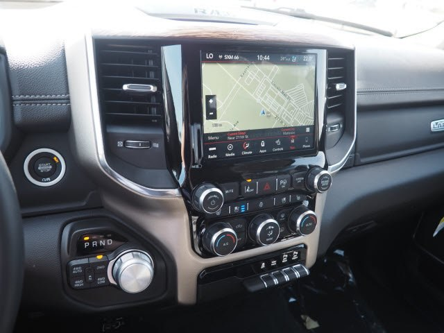 2019 Ram 1500 Crew Cab 4x4, Pickup #RT19002 - photo 17