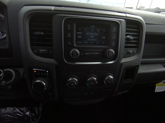 2019 Ram 1500 Crew Cab 4x4,  Pickup #RT19037 - photo 22