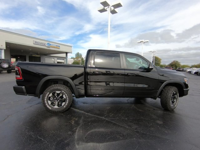 2019 Ram 1500 Crew Cab 4x4,  Pickup #RT19040 - photo 4