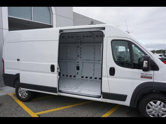 2018 ProMaster 2500 High Roof FWD,  Empty Cargo Van #SD18399 - photo 4