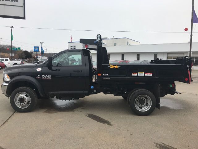 2017 Ram 5500 Regular Cab DRW 4x4,  Reading Dump Body #N17353 - photo 3