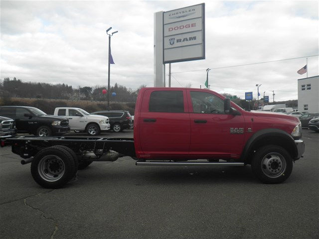 2018 Ram 5500 Crew Cab DRW 4x4, Cab Chassis #N18028 - photo 4