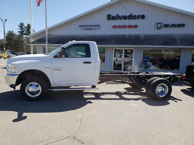 2018 Ram 3500 Regular Cab DRW 4x4, Cab Chassis #N18146 - photo 3