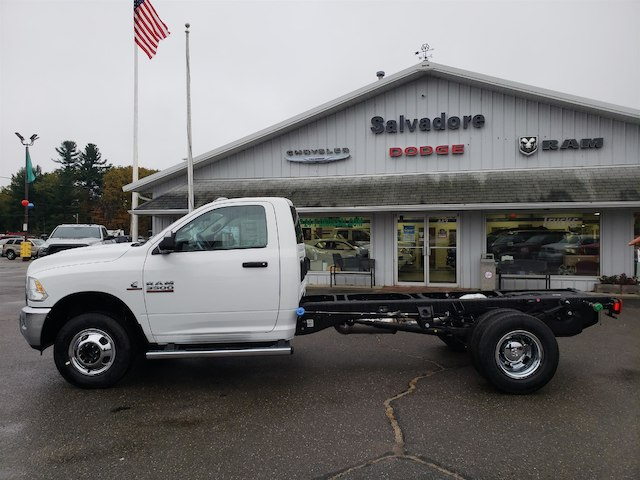 2018 Ram 3500 Regular Cab DRW 4x4,  Cab Chassis #N18291 - photo 3