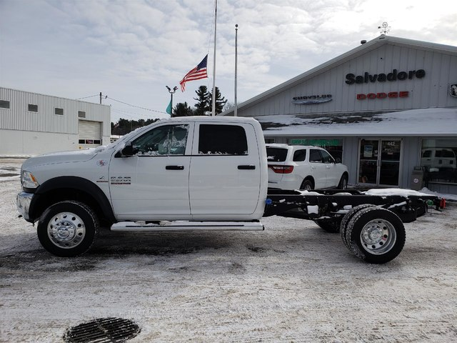 2018 Ram 5500 Crew Cab DRW 4x4,  Cab Chassis #N18310 - photo 3