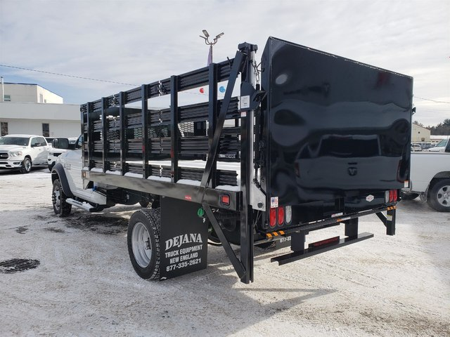 2018 Ram 5500 Regular Cab DRW 4x4,  Knapheide Value-Master X Stake Bed #N18335 - photo 4
