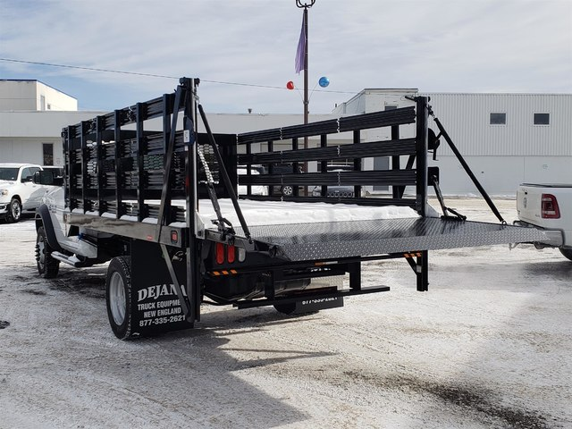 2018 Ram 5500 Regular Cab DRW 4x4,  Knapheide Value-Master X Stake Bed #N18335 - photo 2
