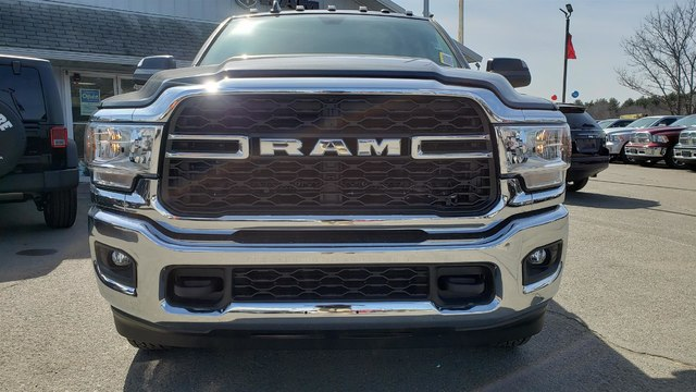 2019 Ram 3500 Crew Cab DRW 4x4,  Cab Chassis #N19111 - photo 3