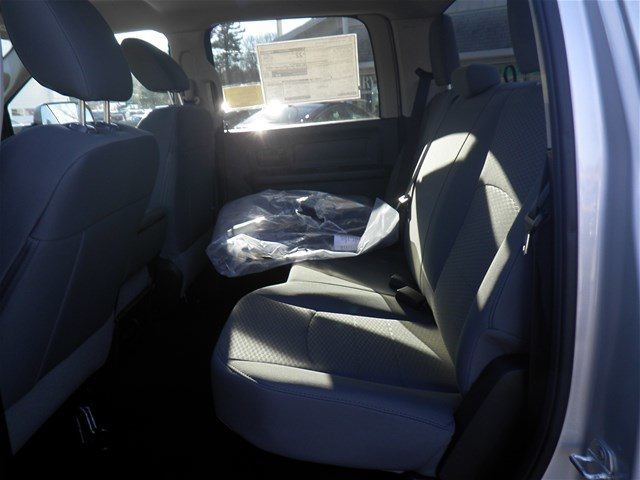 2016 Ram 1500 Crew Cab 4x4, Pickup #N6142 - photo 14