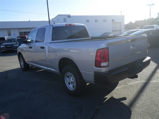 2016 Ram 1500 Crew Cab 4x4,  Pickup #N6142 - photo 4