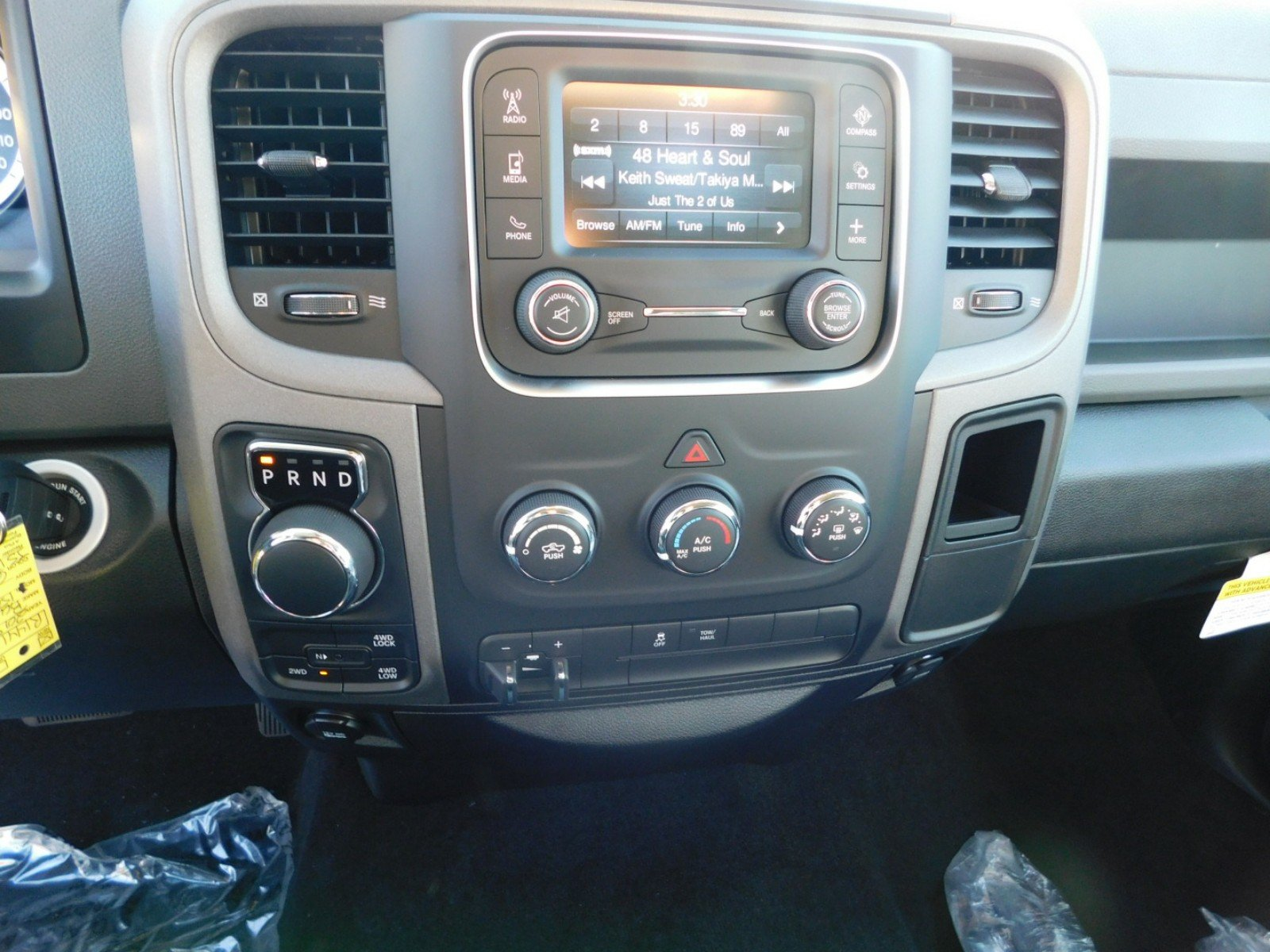 2018 Ram 1500 Crew Cab 4x4, Pickup #R1441 - photo 8