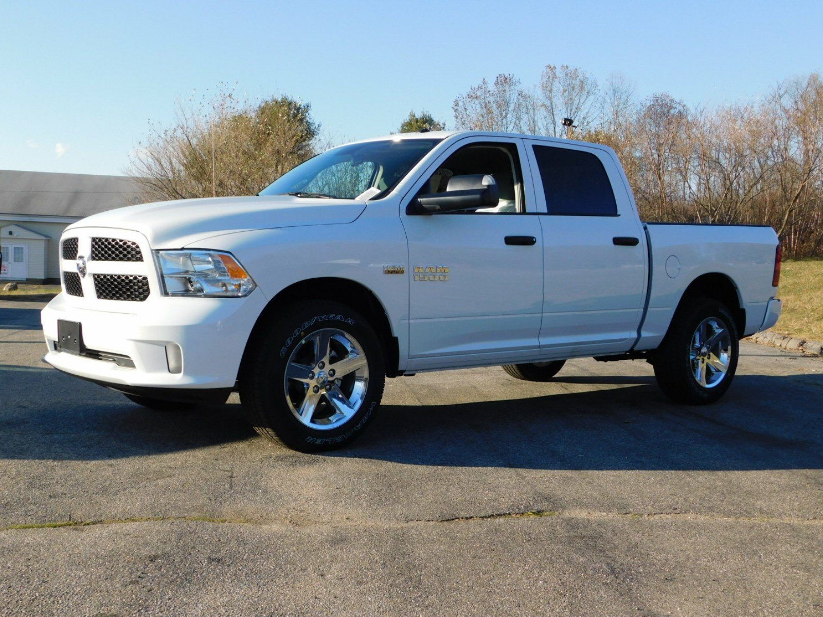 2018 Ram 1500 Crew Cab 4x4, Pickup #R1443 - photo 5