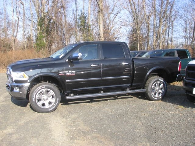 2018 Ram 3500 Crew Cab 4x4, Pickup #J297 - photo 4