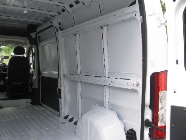 2018 ProMaster 2500 High Roof FWD,  Empty Cargo Van #J981 - photo 5
