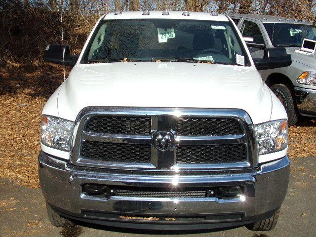 2018 Ram 3500 Regular Cab DRW 4x4 Cab Chassis #JG104563 - photo 4