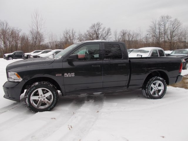 2018 Ram 1500 Quad Cab 4x4, Pickup #180306 - photo 5